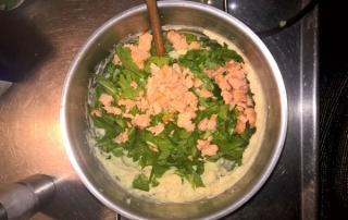 Mashed potatoes with smoked salmon and spinach
