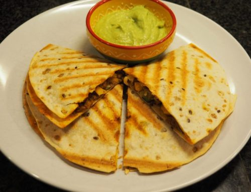 Vegetarische quesadillas met avocadodip