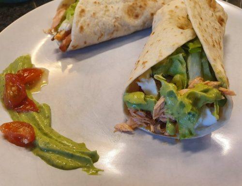 Wraps met pulled zalm en avocado-munt crème