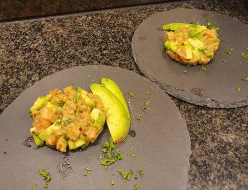 Zalmtartaar met avocado